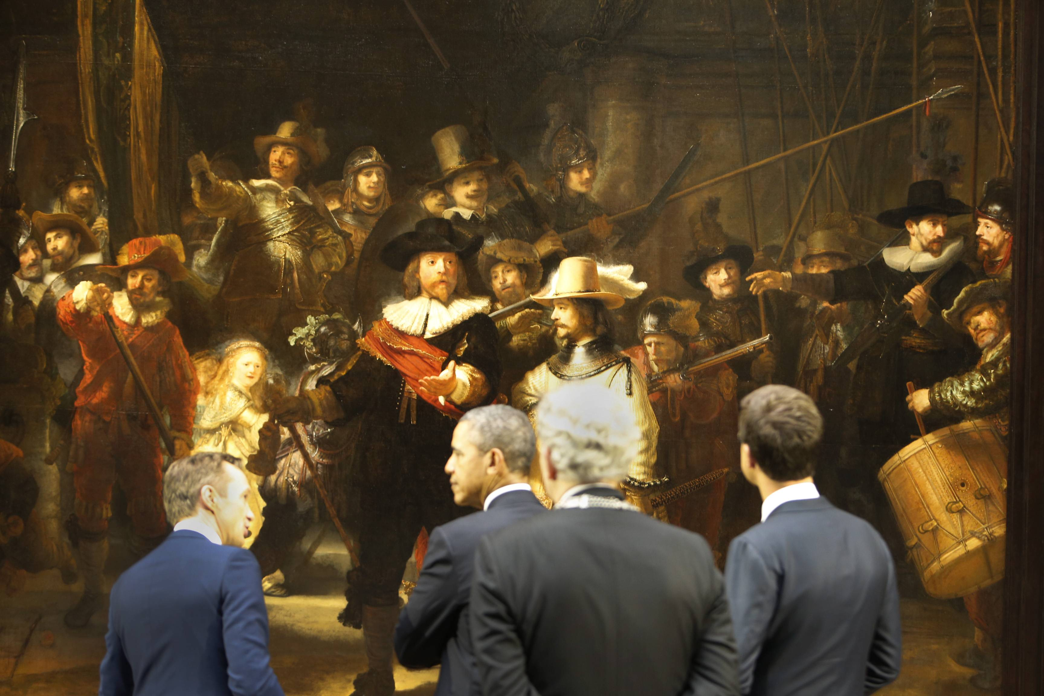 President Obama and Prime Minister Rutte of the Netherlands looking at Rembrandt's Nightwatch.
